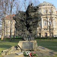 Pomnik Ofiar Katynia i Sybiru - Poznań