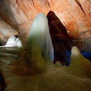 氷の洞窟です。