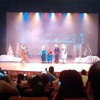 Teatro... Apresentação de Frozen