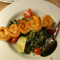 Quinoa tabbouleh with grilled shrimps