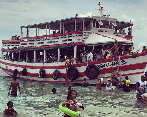 Chegada do barco na Ilha de Maré.