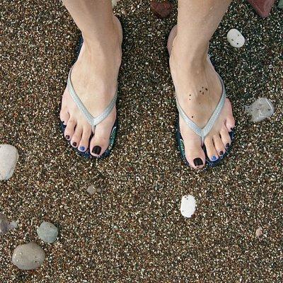 Цветная галечка на пляже Бечичи