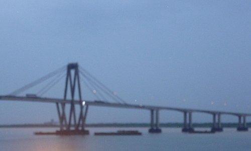 Vista parcial del puente