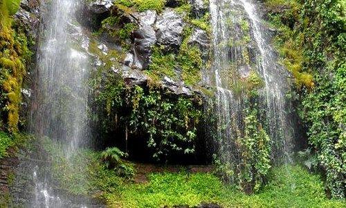 Caídas de agua en la ruta al Cóndor Machay