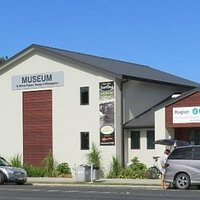 Access to the museum is through the Raglan i-SITE in Wainui Rd
