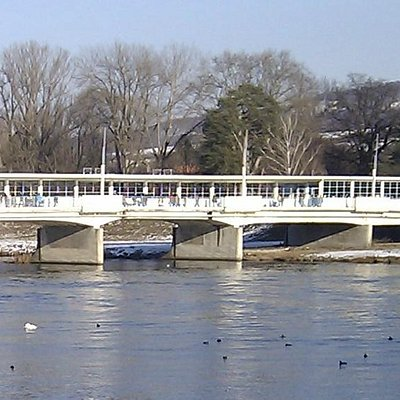 COLONADE BRIDGE FROM SIDE