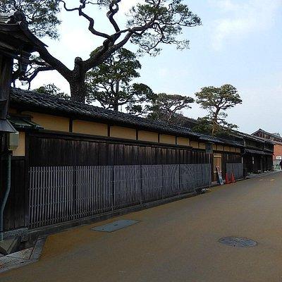 長谷川邸の通り