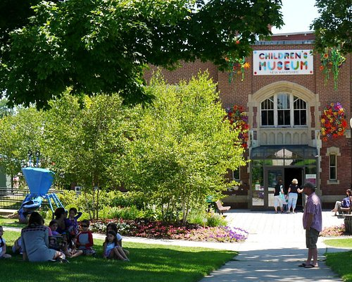 Outdoor story readings are popular in summer months