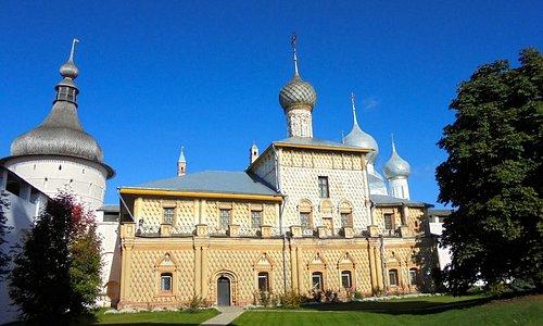 Rostov kremlin, Church of the Virgin Hodegetria: fachada