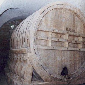 Größtes erhaltenes Riesenweinfass der Welt. Der Erbauer war Michael Werner.
