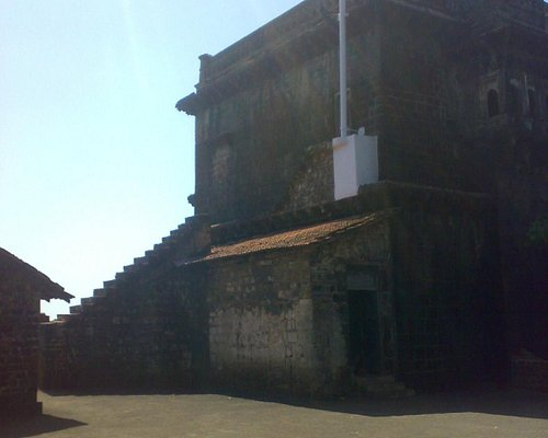 view from outside of Sajja Kothi