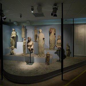 Sala I: Sala Tritonia Virgo
