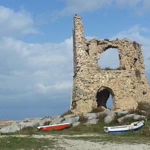 La possente torre saracena
