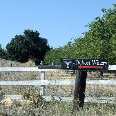 On the dirt road to Dubost Winery