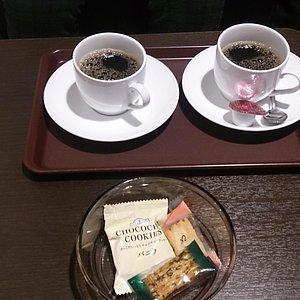 オーナーラウンジのコーヒー&お菓子
