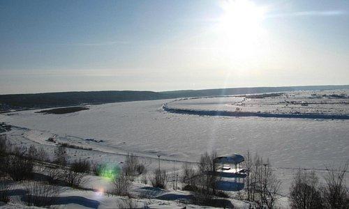 Вид на реку Томь из Лагерного сада зимой