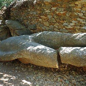 Broken-legged Kouros