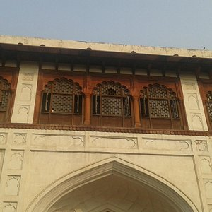 The museum is located on Naqqarkhana at Red Fort.