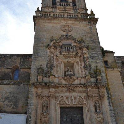Portada de la Iglesia de San Pedro de Arcos de la Frontera.