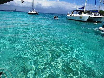 The water off Ilot Gabriel