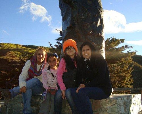 Monumento 2 La niña de la foto es la que recita