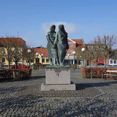 Roepigerne, Torvet i Sakskøbing
