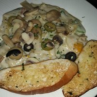 Farfalle Pasta with Alfredo Sauce & Green, Red and Yellow Capsicum, Black & Green Olives - Bread