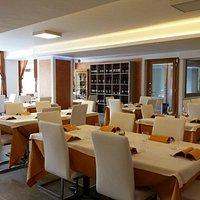 Bar ristorante pizzeria jolly           sala del ristorante  e della pizzeria    vi aspettiamo