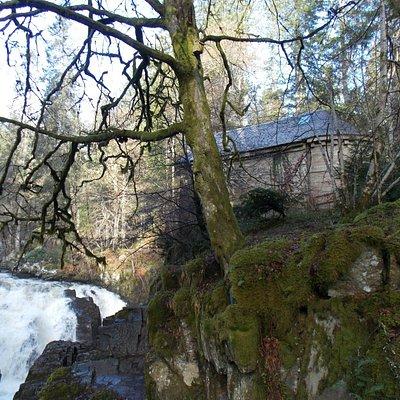 Ossian's Hall, Hermitage, Dunkeld  - River Braan's Black Linn Falls..