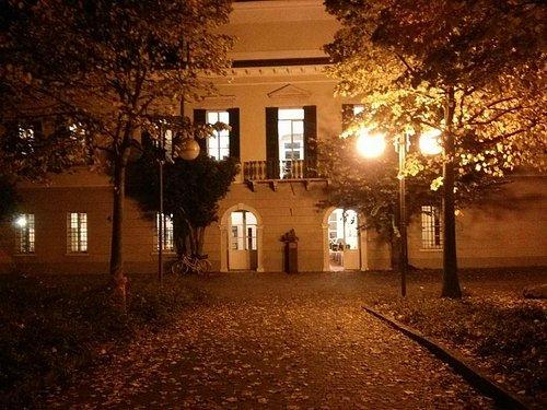 Villa Brunati in una serata d'autunno