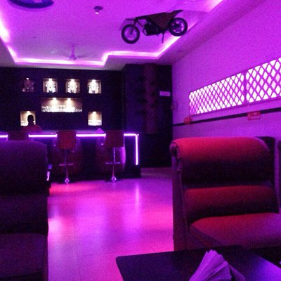 Pink fly lounge