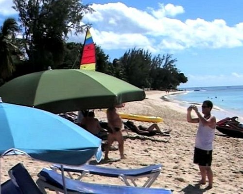 Blue Monkey Beach (foto antigua)