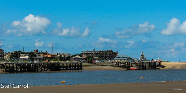 Looking over the Wyre at Fleetwood from the side of the cafe