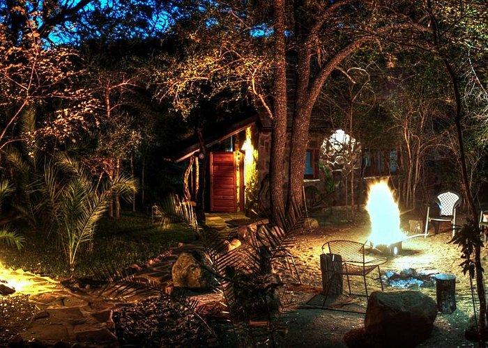 Leadwood lodge barbecue area.