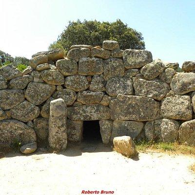 L'ingresso della Tomba