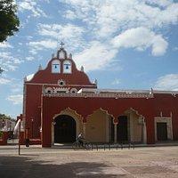 Eglise de la Candelaria en face du parc du même nom