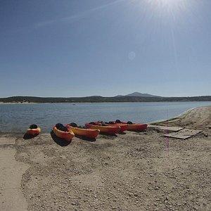 Kayaks autovaciables individuales y dobles