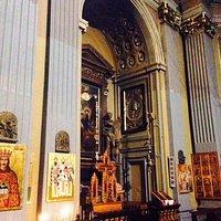 Milano Chiesa di santa Maria della Vittoria: interno a sinistra