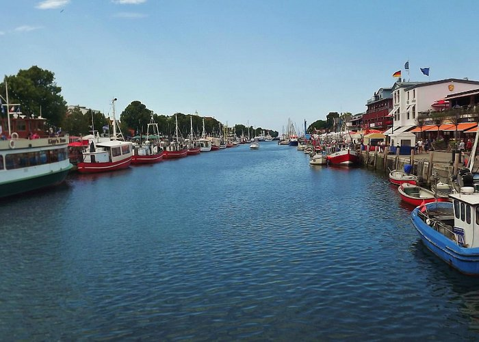 Stroll along the Alter Strom on your way to the beach