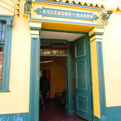 O ascensor é o mais moderno de Valparaíso