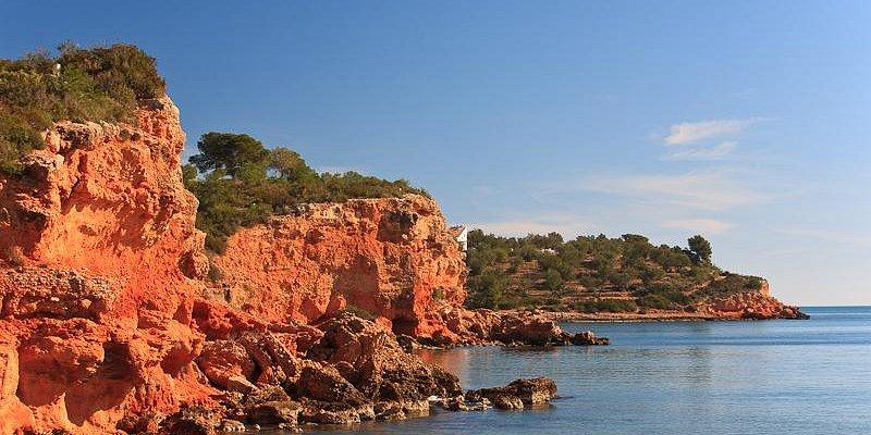 Rocas Playa de Baconé. L'Ampolla