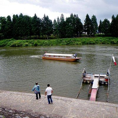 川下りの終点。船は出発点に帰っていく