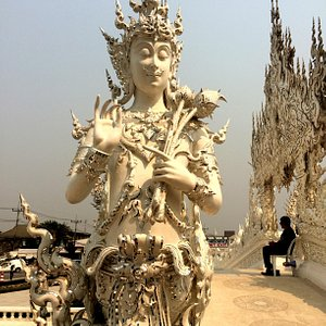 One of the many beautiful sculptures at Wat Rong Khun