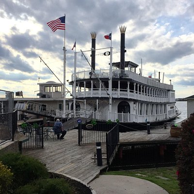 Southern Empress at the dock