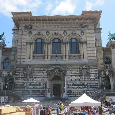 Parte de la fachada