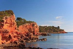 Rocas playa de Baconé en L'Ampolla