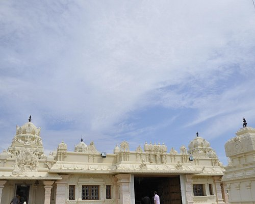 A view of Lord Sri Balaji Temple's inner praharam and the 2nd entrance
