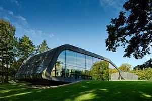Ordrupgaards café (arkitekt: Zaha Hadid)