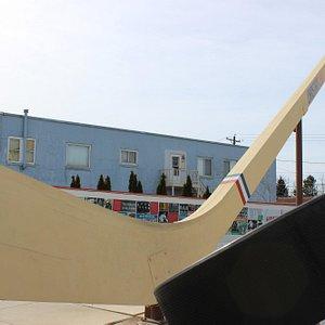 World's Largest Authentic Hockey Stick