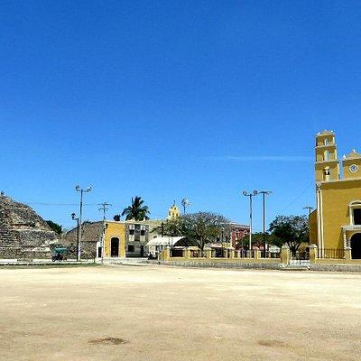 ACANCEH  piramide principal (plaza de las 3 culturas)